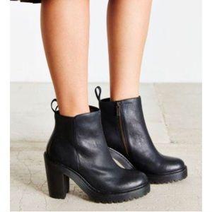 Dr. Martens Leather Magdalena Boot 9 Black Docs